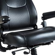 MEYRA - Gefedertes KomfortSitzsystem,  große Beinfreiheit und stufenlose Sitzverstellung
